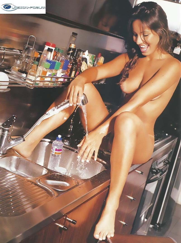 Paola Rodrigues Pelada Na Playboy Famosas Do SBT-2