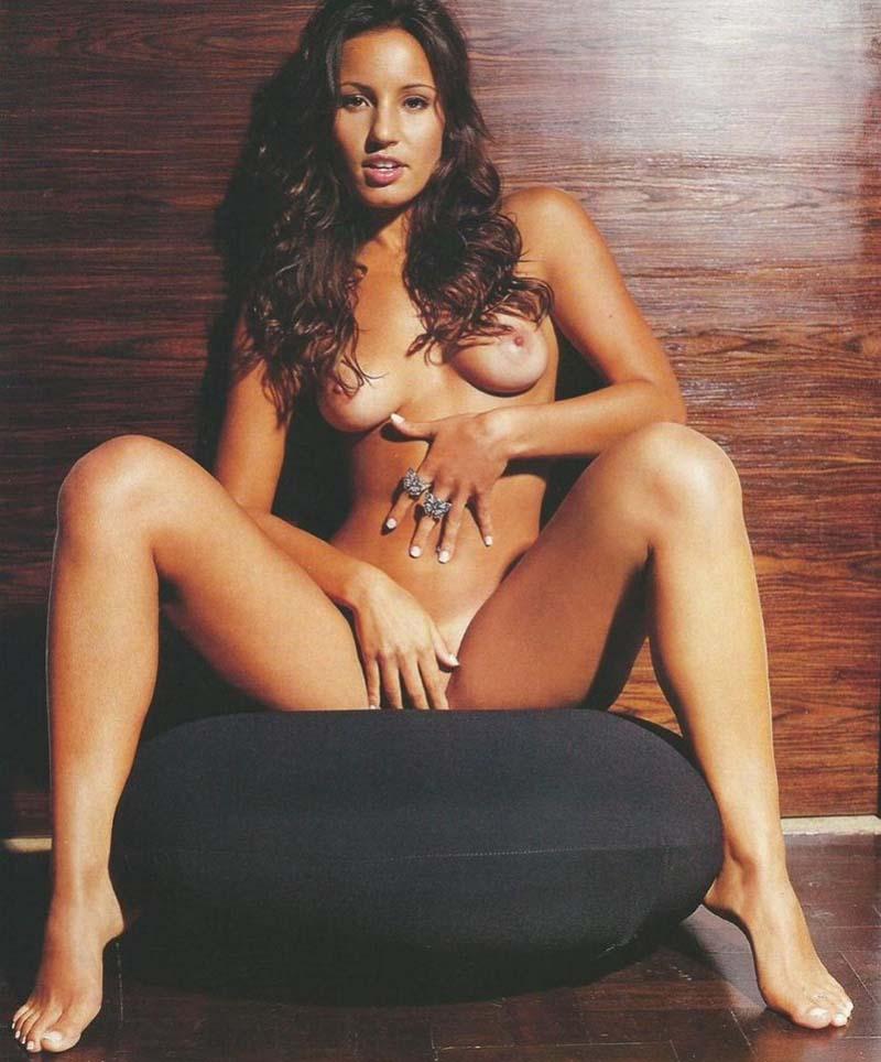 Paola Rodrigues Pelada Na Playboy Famosas Do SBT-24