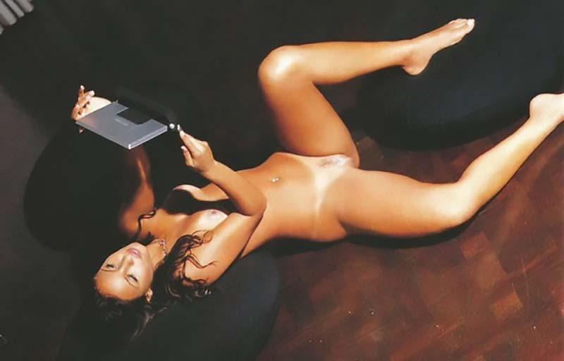 Paola Rodrigues Pelada Na Playboy Famosas Do SBT-28