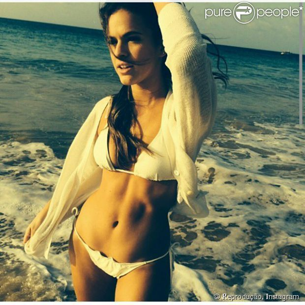 Fotos da Bruna Marquezine na revista VIP de novembro