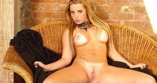 Milena Santos nua pelada na Sexy Clube exibindo buceta