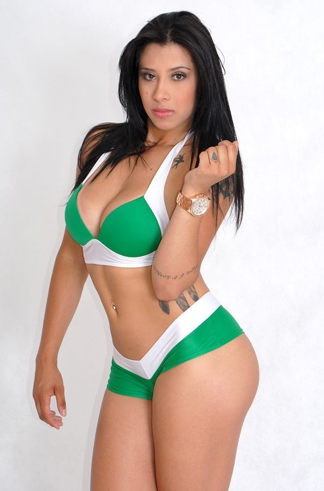 Carol-Barbosa-Palmeiras-nua