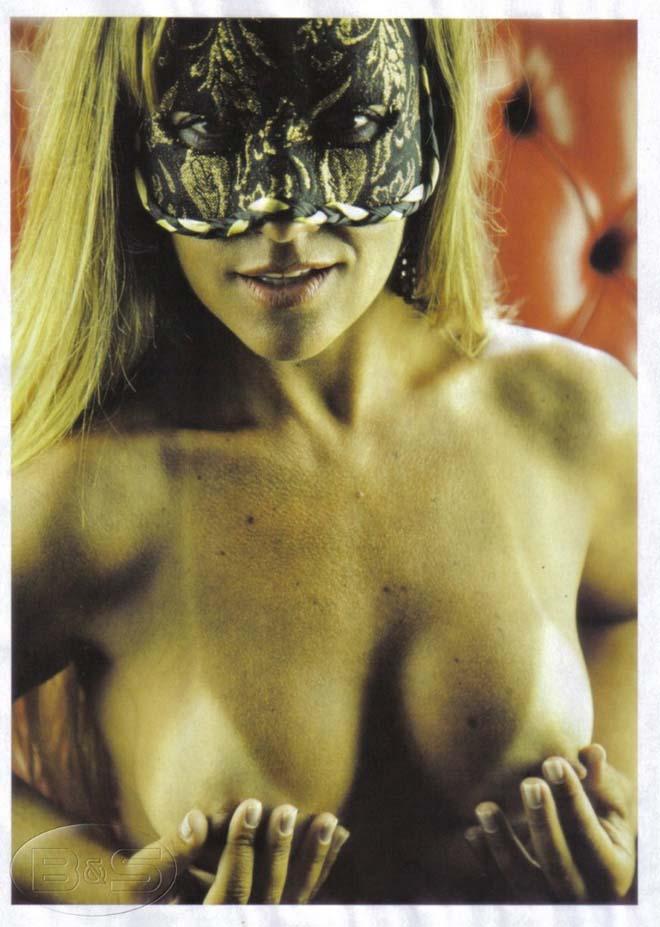 Vivi Fernandez nua - Gostosa pelada Sexy Clube