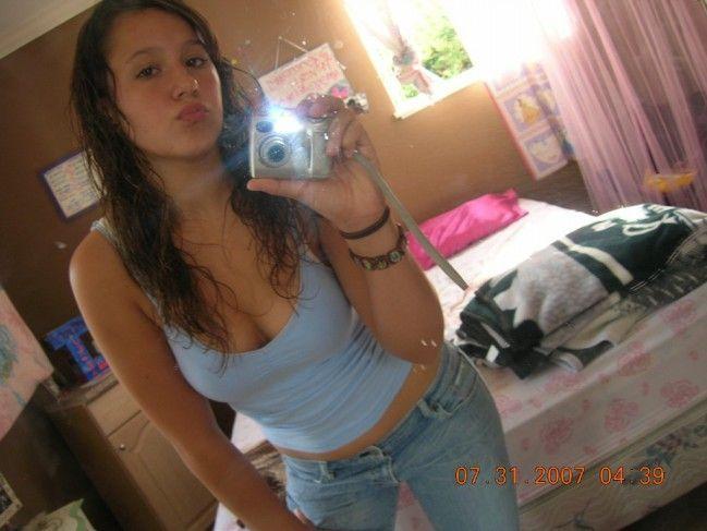 novinha-shortinho-calcinha-fotos-espelho-01 (10)