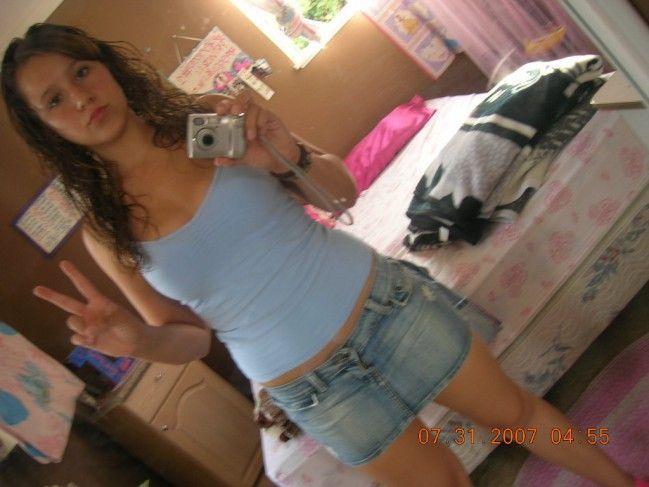 novinha-shortinho-calcinha-fotos-espelho-01 (14)