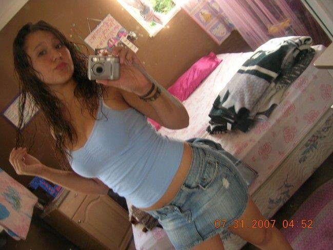 novinha-shortinho-calcinha-fotos-espelho-01 (16)