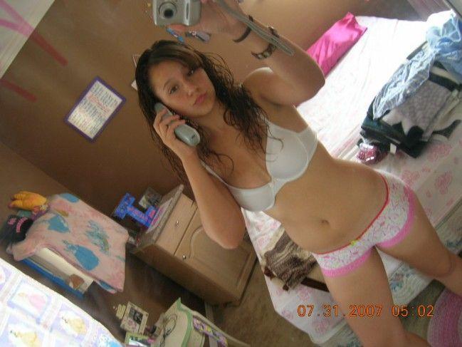 novinha-shortinho-calcinha-fotos-espelho-01 (23)