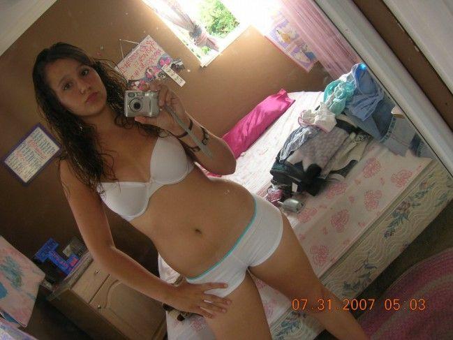 novinha-shortinho-calcinha-fotos-espelho-01 (24)