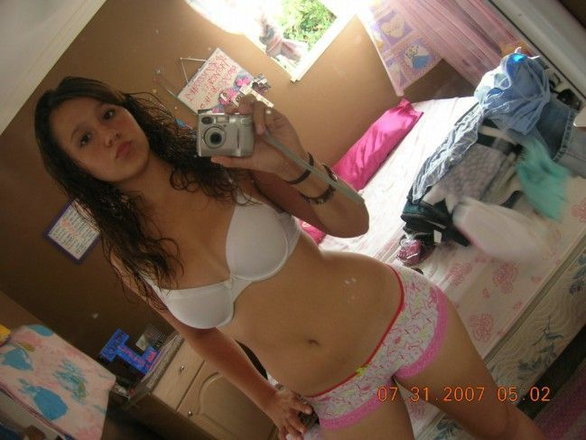 novinha-shortinho-calcinha-fotos-espelho-01 (25)
