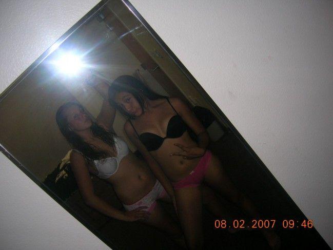 novinha-shortinho-calcinha-fotos-espelho-01 (4)