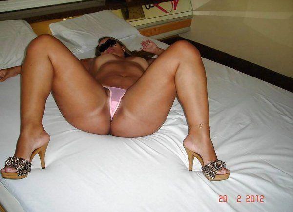 brasileirinha-rabuda-pagou-boquete-no-motel-img14