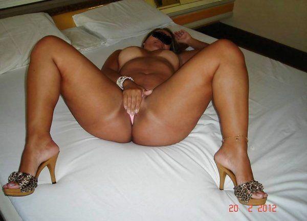 brasileirinha-rabuda-pagou-boquete-no-motel-img15