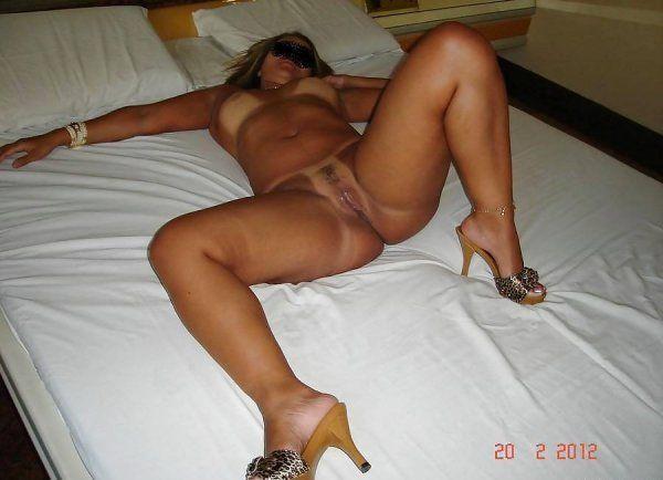 brasileirinha-rabuda-pagou-boquete-no-motel-img24