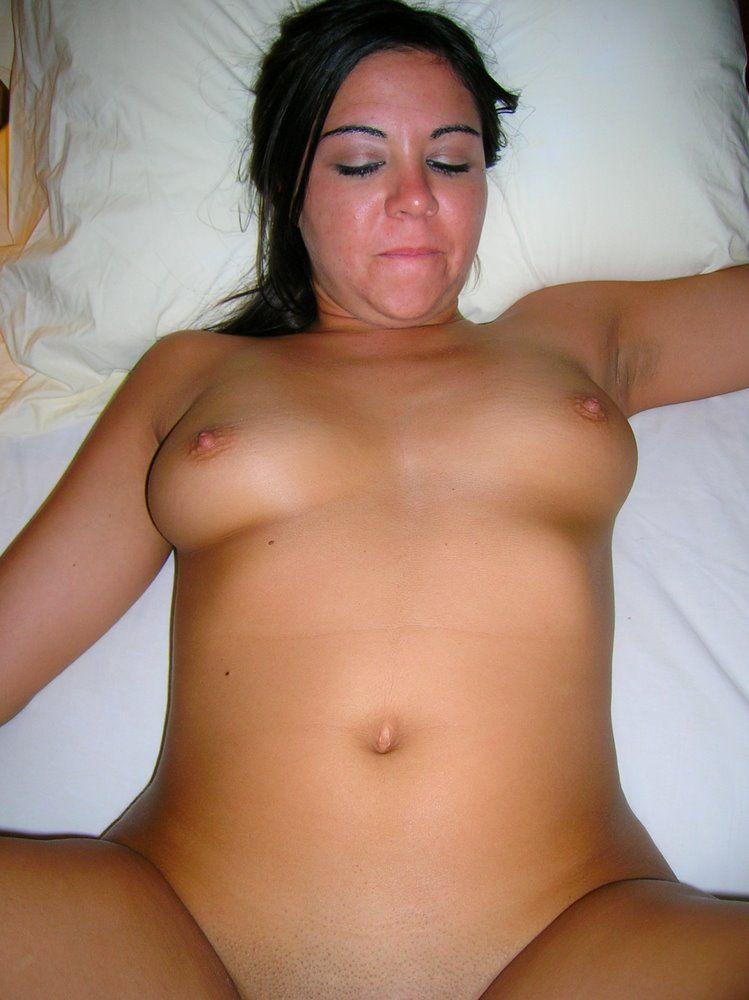 Esposa-ninfeta-pelada-fodendo-23