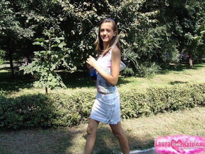 teenie-posing-in-the-park-07