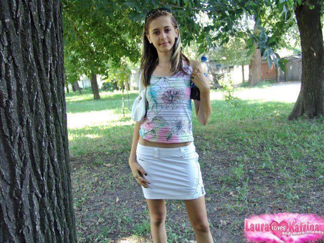 teenie-posing-in-the-park-12
