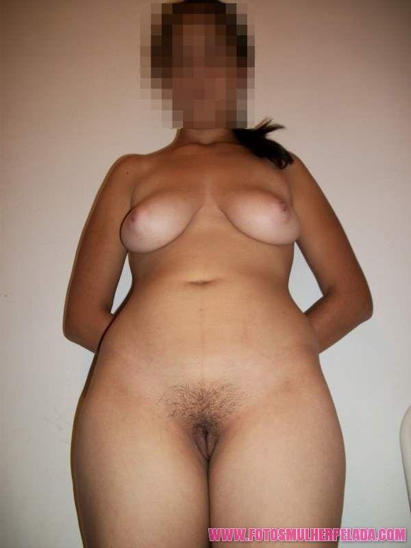 Minha namorada pelada mostrando a xoxota