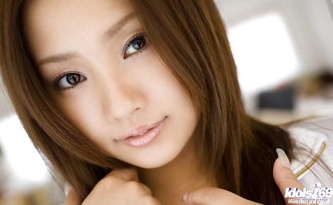 Rika Aiuchi japonesa peituda 04