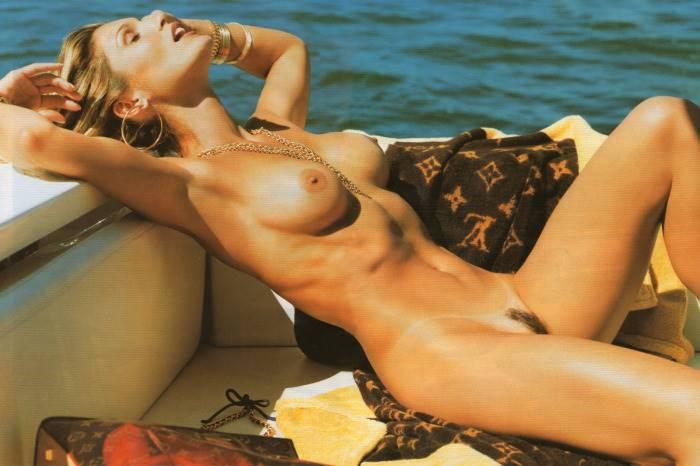 atriz-da-globo-pelada-flavia-alesandra-nua-21