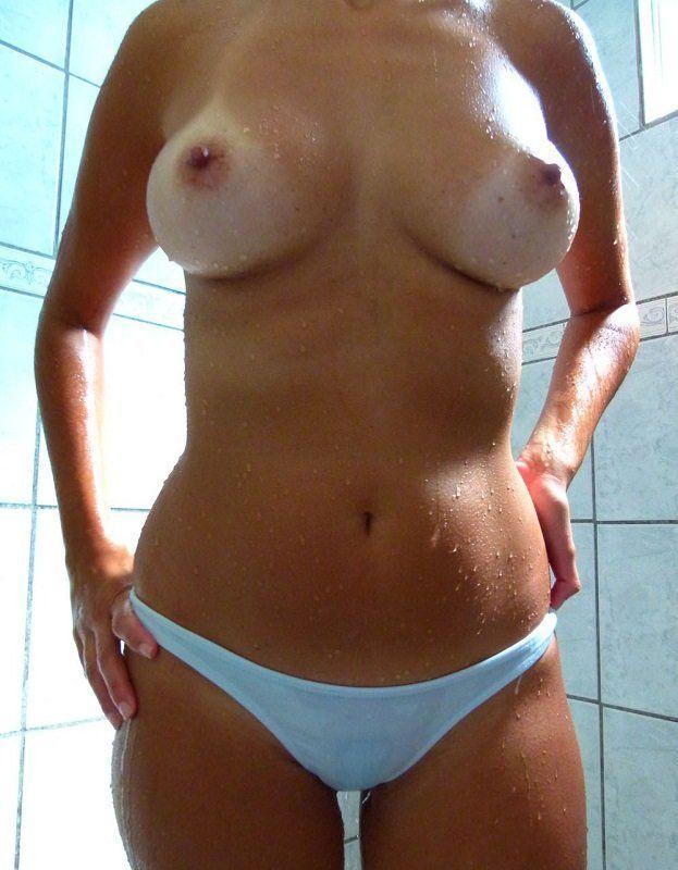 Fotos amadoras Novinha tomando banho 02
