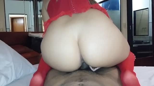 Sexo amador com loira rabuda bucetuda