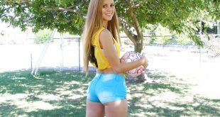 Jessie Rogers novinha gostosa de shortinho jeans curtinho ficando nua