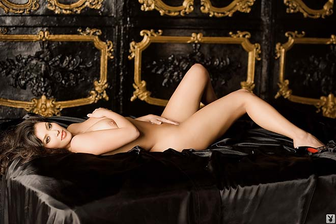 Kim Kardashian pelada nua