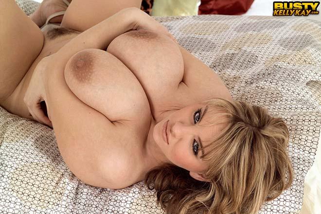 Gordinha mostrando sua linda xoxota grande