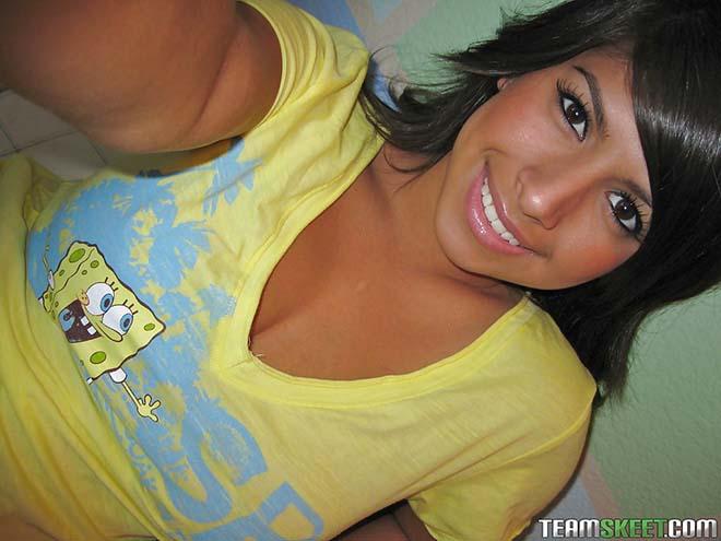 Layla Rose novinha gostosa do Facebook tirando fotos pelada