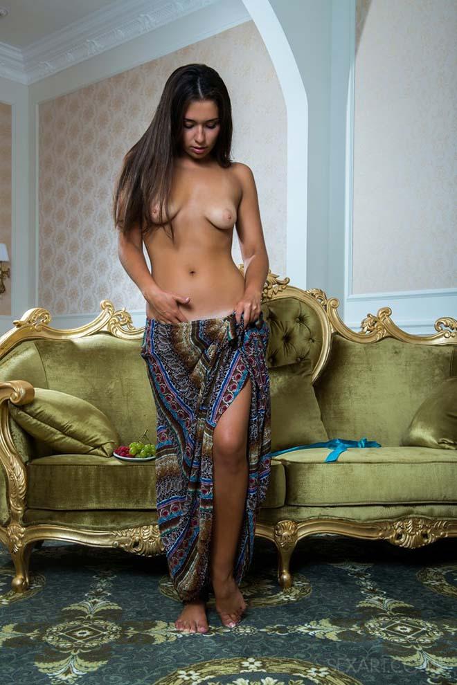 Novinha gostosa de vestido sem calcinha 5