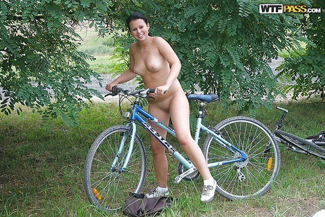 Fotos amadoras novinha gostosa sem calcinha