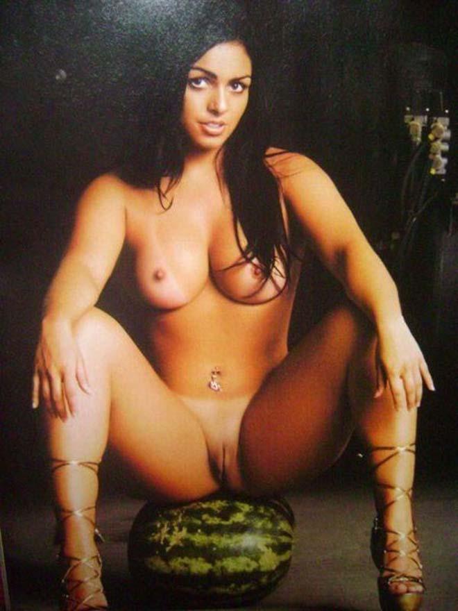mulheres totalmente pelada portuguese porn