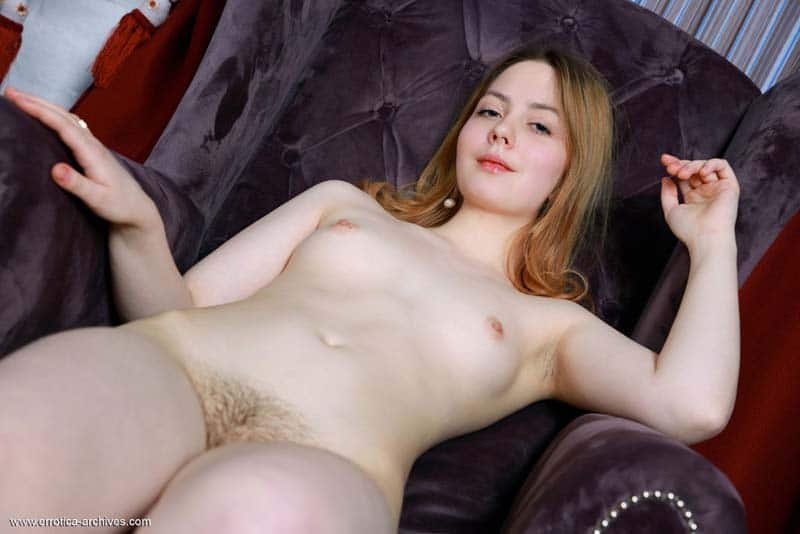 Ruivinha peluda sexy