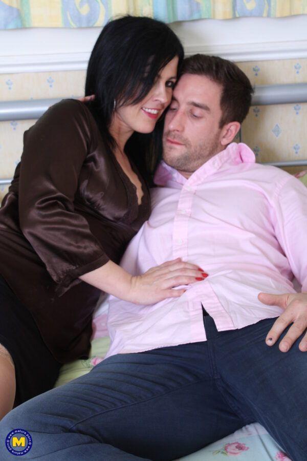 Amante morena bem gostosa transando no motel acabou parando no redtube