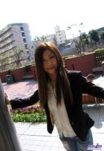 Japonesa novinha bem safada e gostosa mostrando sua xoxota apertada