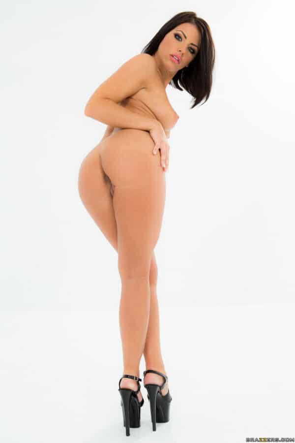 Modelo gostosa bucetuda do samba porno vai fazer você gozar