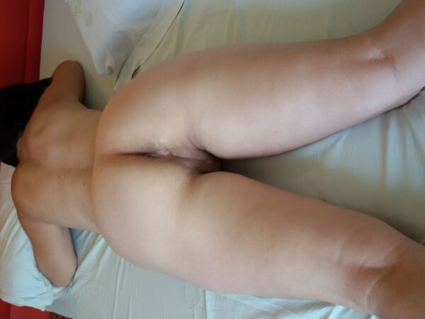 Morena cavala muito gostosa mostrando sua deliciosa buceta
