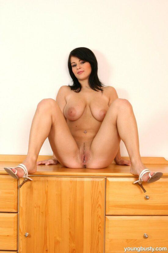 Fotos peituda pelada masturbando a xereca