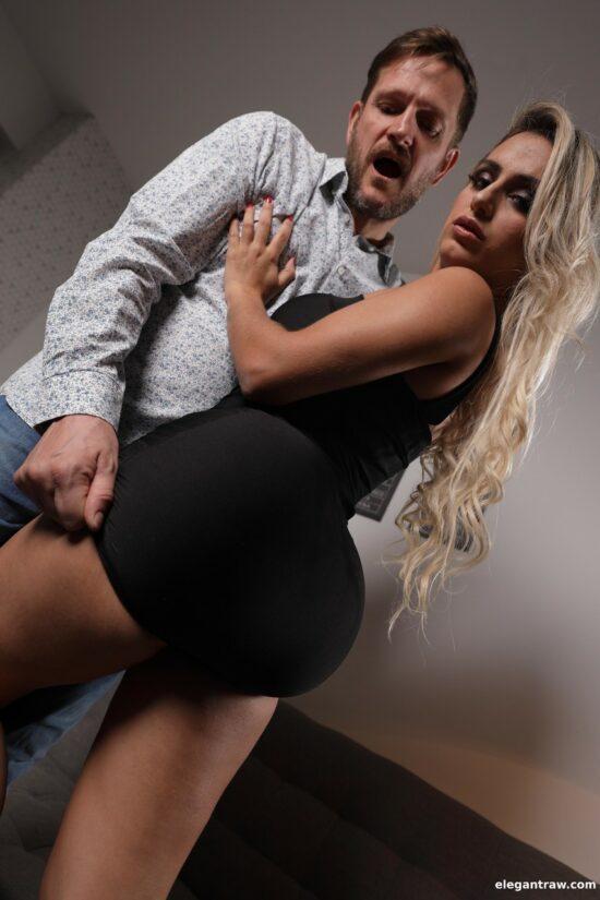 Fotos porno br com loira peituda e rabuda dando cu
