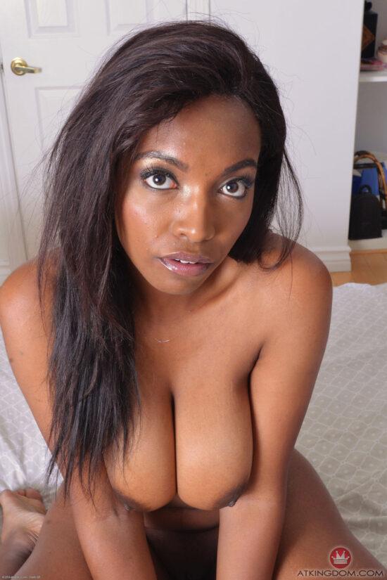 Fotos mulher negra peituda e bucetuda