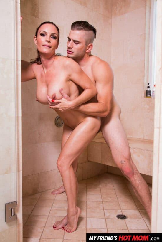 Fotos de adultério com coroa peituda dando pro amante