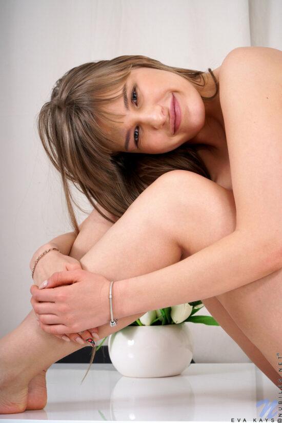 Fotos de loirinha peituda masturbando a buceta