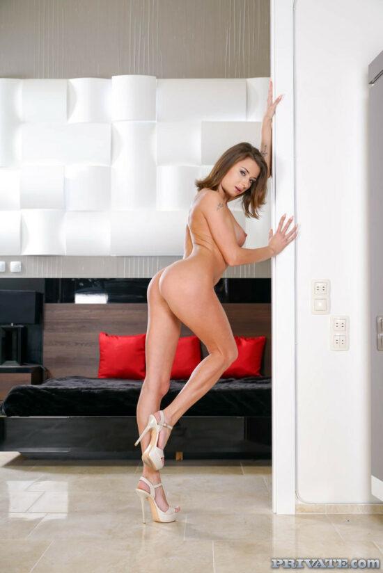 Fotos do xvideos com mulher pelada dando cu