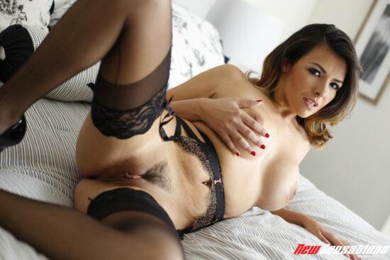 Fotos pornos com gostosa peluda dando a bucetinha