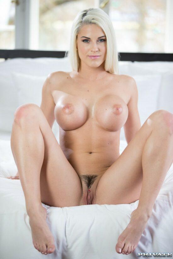 Xnxx fotos pornô de loira peituda dando o cu
