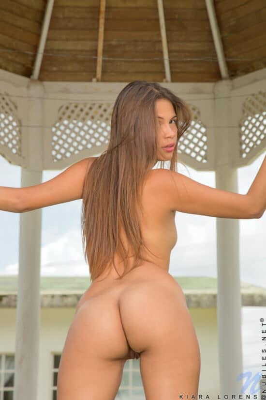 Novinha loirinha gostosa pelada